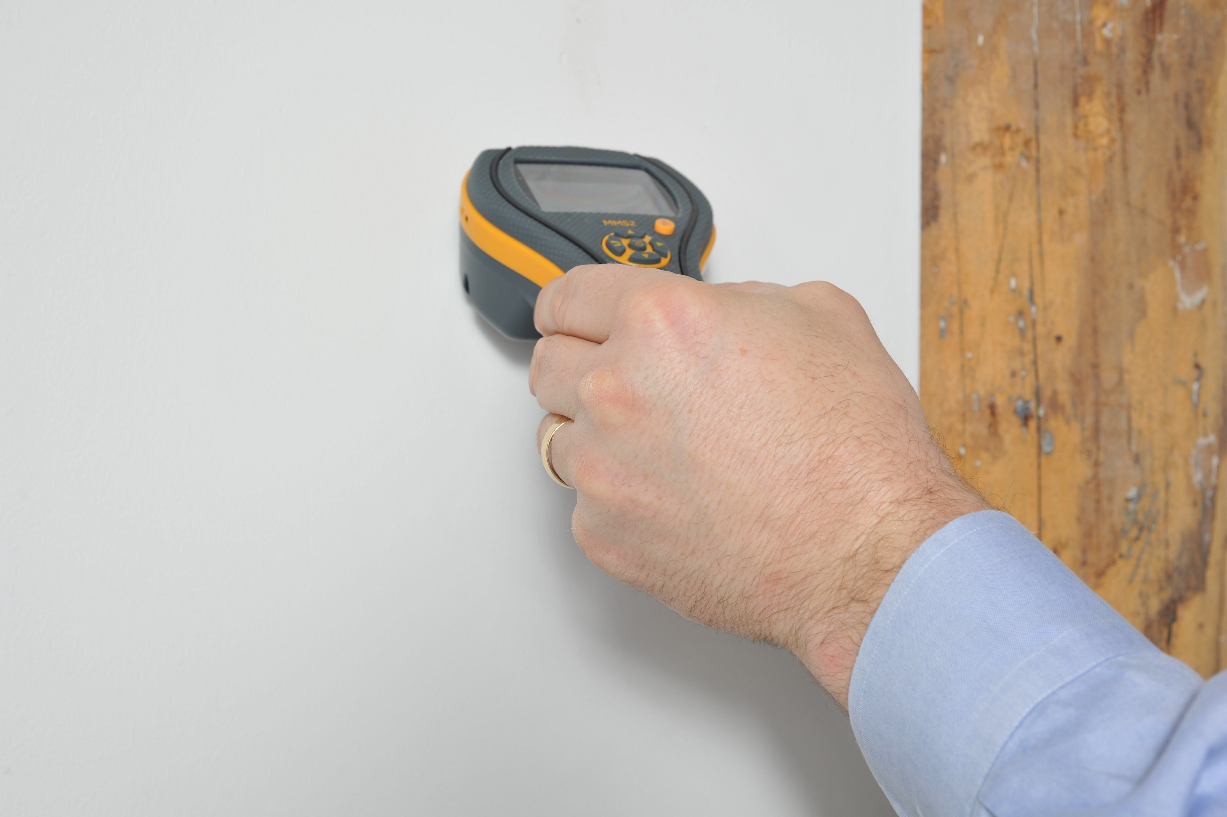Home Inspections: Testing for Moisture in Walls Damage-Free